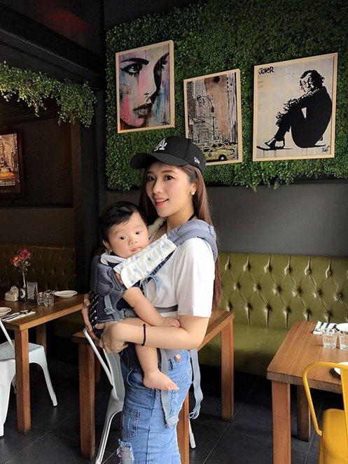 雙寶媽咪的生活分享Beco雙子星寶寶背巾